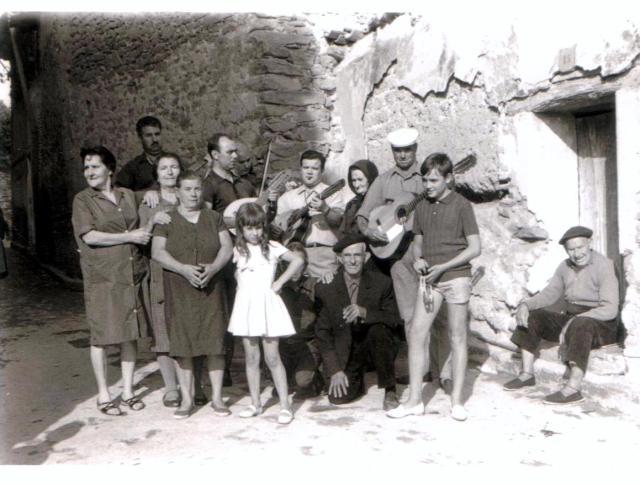 Orquesta familiar de cuerda durante san Lorenzo