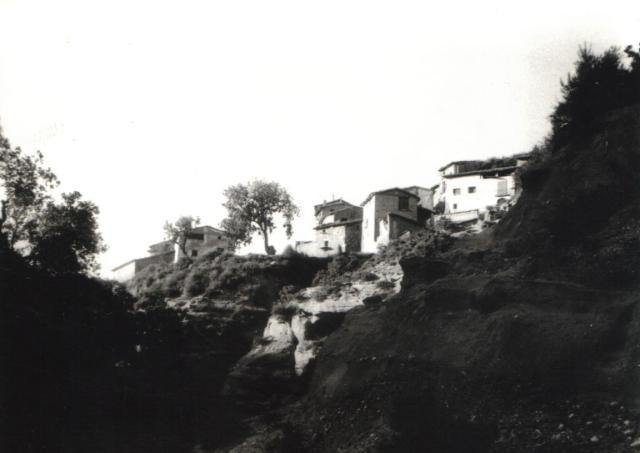 Vertiente de casas hacia el barranco de secallás